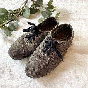Toms Lace Up Shoes